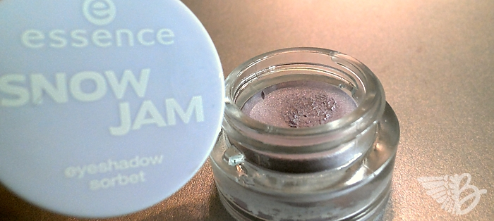 essence SnowJam Eyeshadow Sorbet 01 lilac is my style