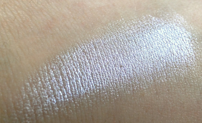 Swatch Eyeshadow Sorbet 01 lilac is my style