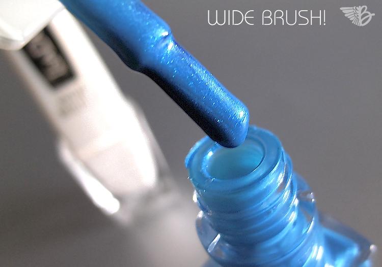 IsaDora Neon Glitter Nails