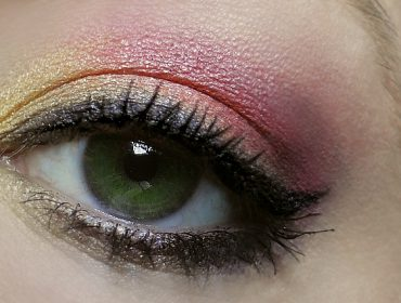 makeup tutorial in rot und gelb