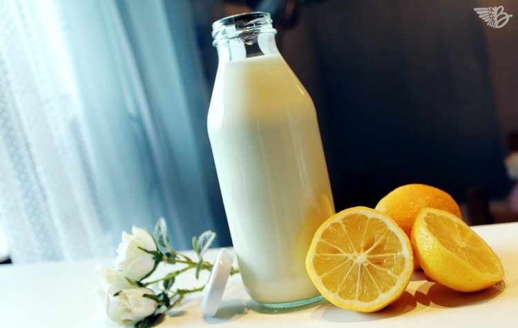 selbstgemachter-buttermilchdrink