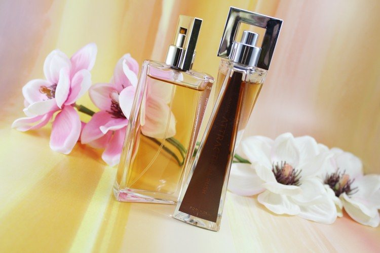 attraction-avonparfum-forhimandher