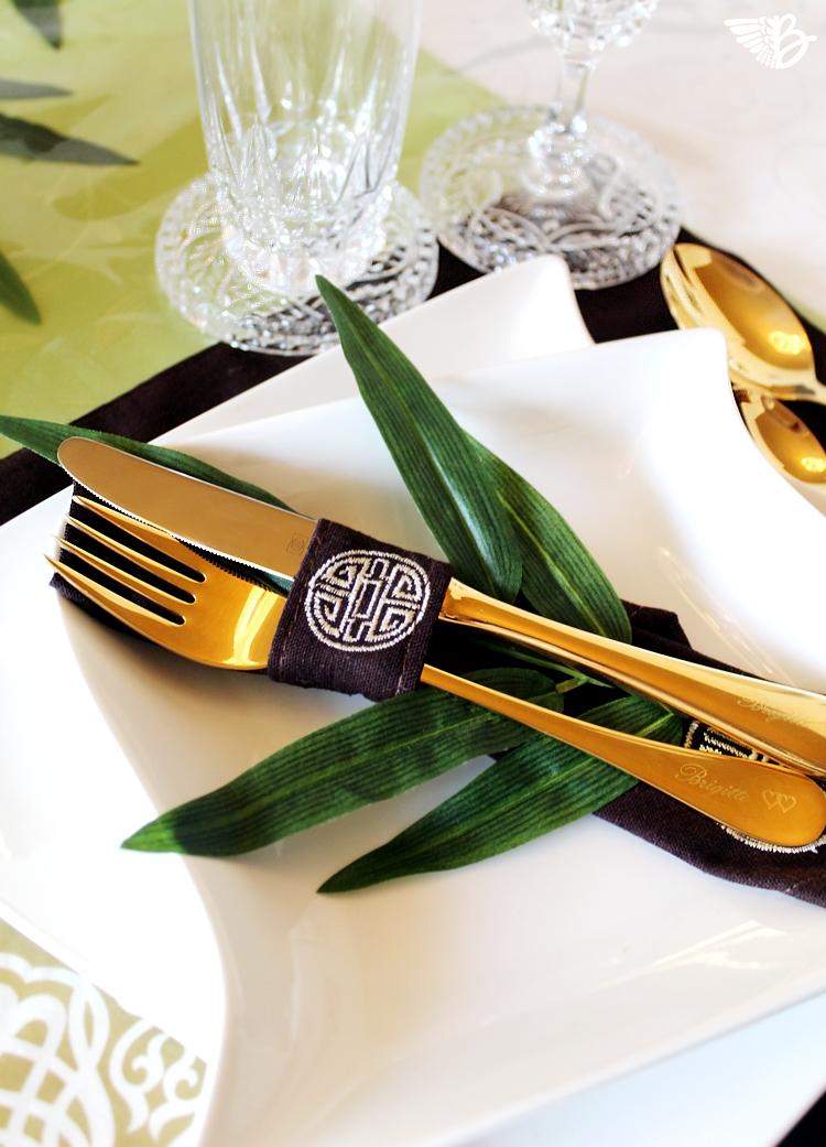oversize-asiadeko-wunderkammerbesteck.gold