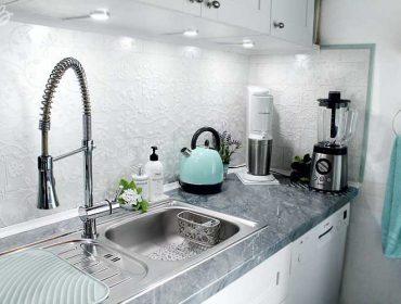 küchenzeile-küchenrückwand-spüle