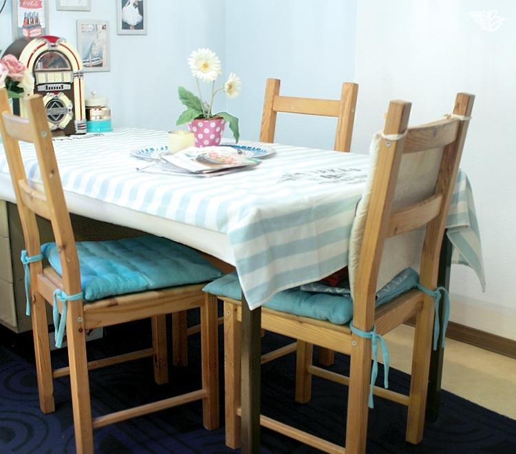 ikea kche tisch inspiration hoher tisch mit barhocker und sthle kchentisch esstisch ikea in. Black Bedroom Furniture Sets. Home Design Ideas