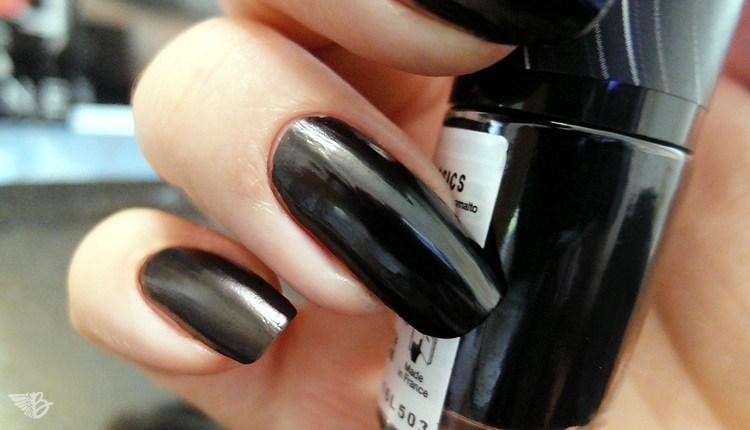 schwarz-lackiert
